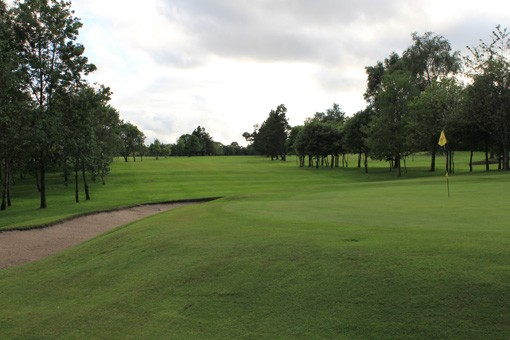 9th-green-nlooking-back-up-fairway